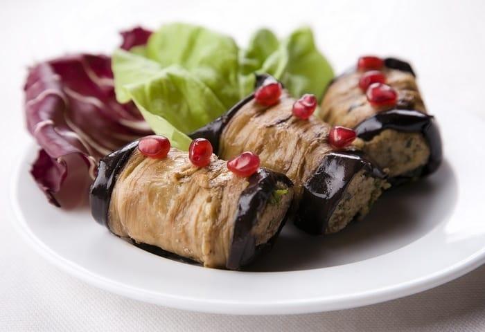 Рулеты из баклажанов с грецким орехом: одно из вкуснейших блюд грузинской кухни 1