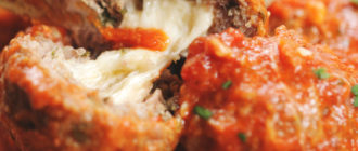Мясные тефтели с сырной начинкой в томатном соусе – невероятно вкусно 8