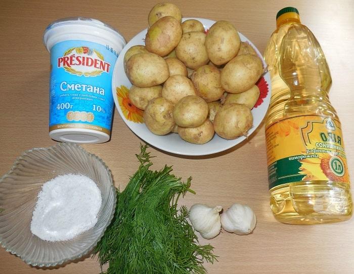 Очень вкусная чесночная картошка, запеченная в духовке – великолепный гарнир