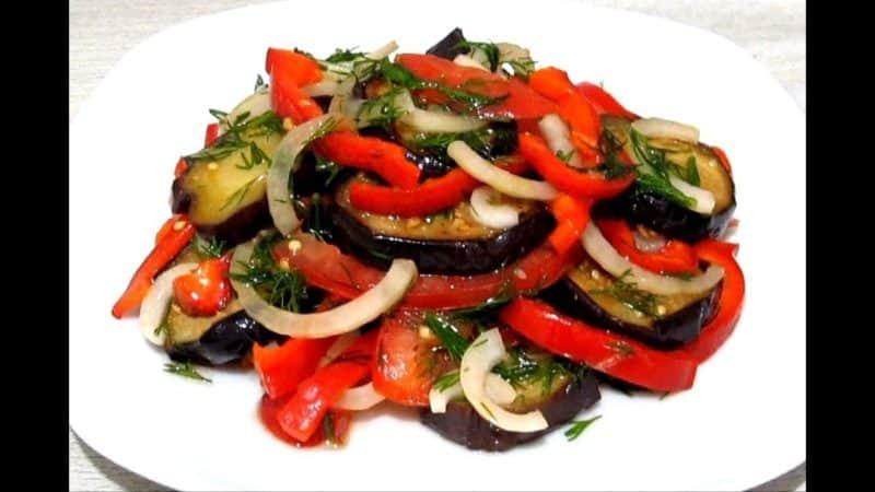 Салат с помидорами и баклажанами: лёгкое и полезное блюдо 1