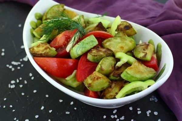 Салат из кабачков и помидоров: просто и быстро 1