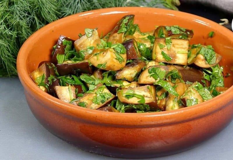 Маринованные баклажаны: вкуснейшая закуска за 15 минут 1