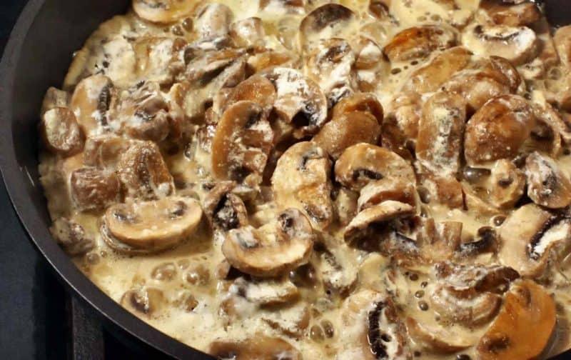 Блюдо из фарша и грибов: невероятно вкусное