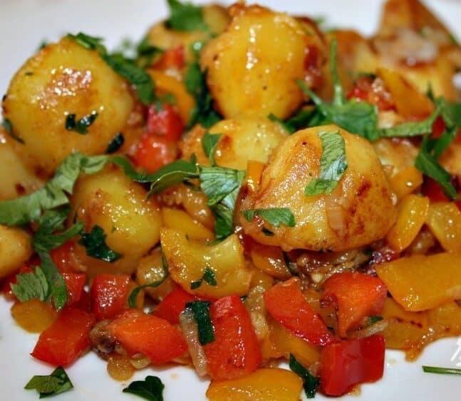 Блюда из картофеля и болгарского перца: потрясающе вкусное и ароматное 1