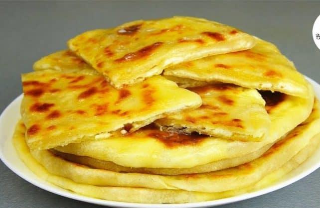 Хачапури на сковороде на скорую руку: легко и быстро