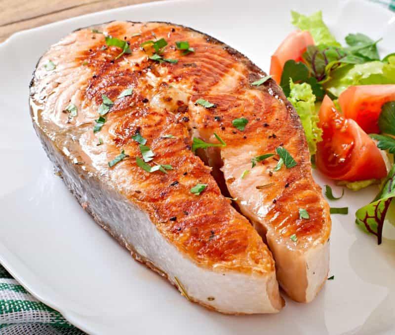 Стейк лосося в духовке