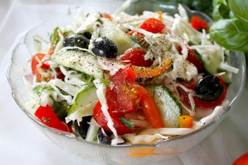 Лёгкие салаты: лучшие салаты, которые помогут сохранить фигуру 1