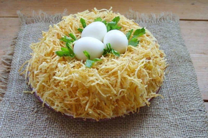 Салат Гнездо глухаря: вкусный и красивый салат 1