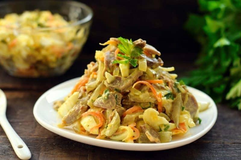 Салат из куриных желудков: вкусный и сытный салат из доступных продуктов 1