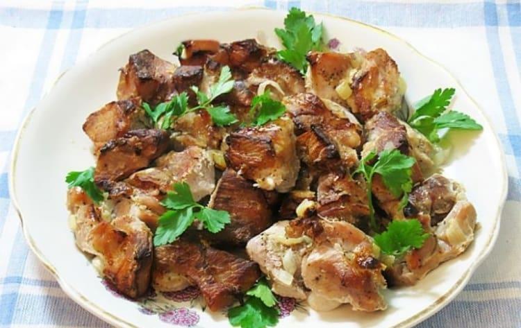 Шашлык на луковой подушке: побалуйте себя нежным мясом, вспомнив вкус шашлычков 1