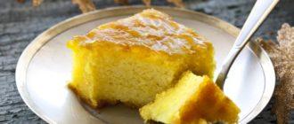Пирог с манкой на сковороде. Десерт, который тает во рту 8