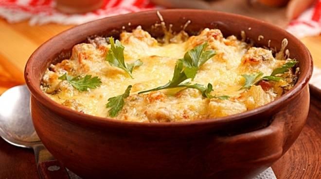 Картофельная бабка в горшочках. Сочное и сытное блюдо, которое накормит большую семью 1