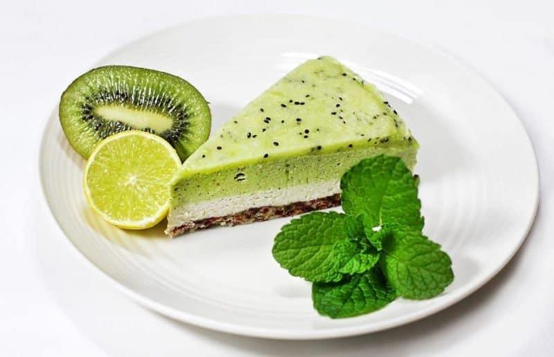 Киви чизкейк. Освежающий десерт без выпечки 4