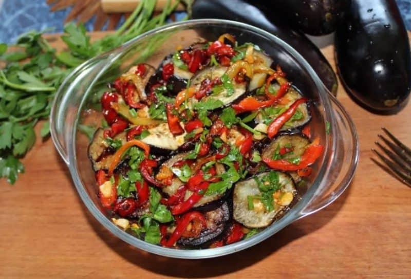 Салат из баклажан с секретиком. Баклажаны приобретают незабываемый вкус 6