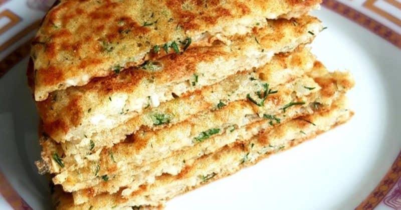 Творожные лепёшки. Вкуснятина из творога на завтрак вместо сырников: готовить проще и быстрее 8