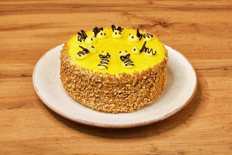 Торт Пчёлка. Ваши гости будут очарованы этим нежным лакомством 10