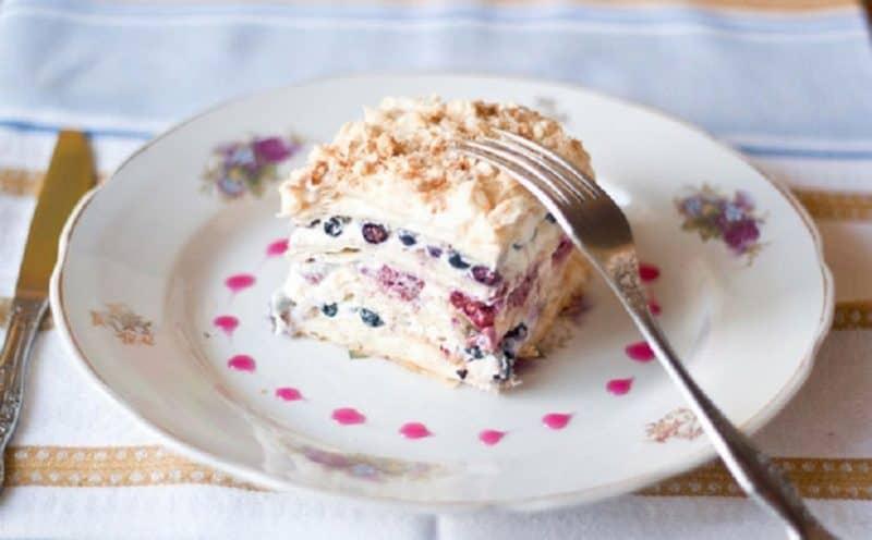 Наполеон с безе и чёрной смородиной. Улучшенный вкус традиционного десерта 1