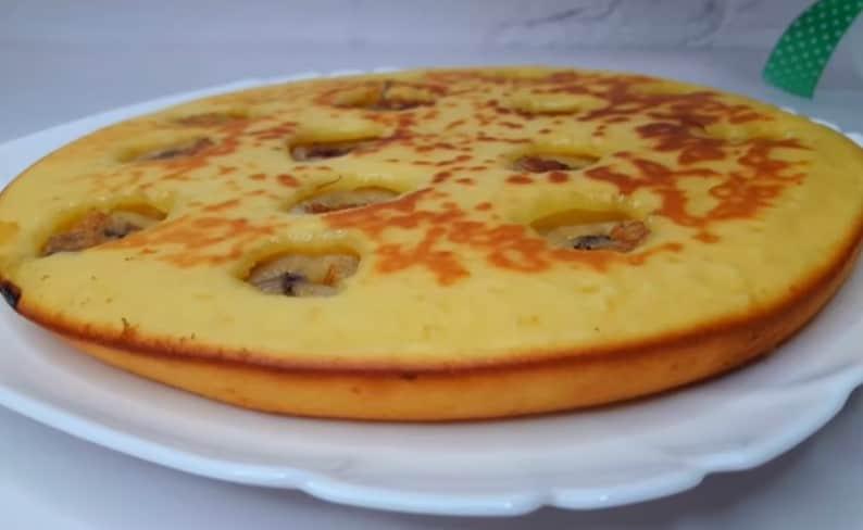 Сладкий пирог с 1 яйцом на сковороде. Удачный рецепт на скорую руку 1