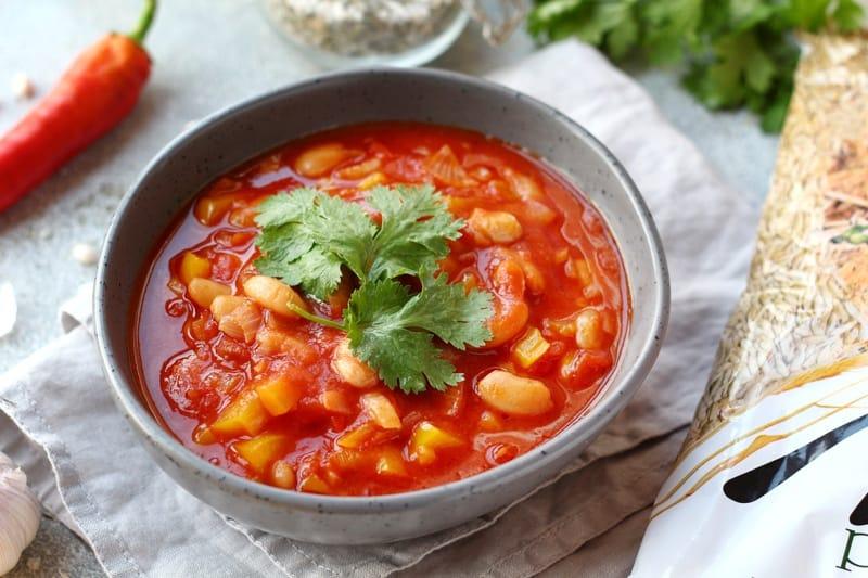 Суп из томатов и белой фасоли