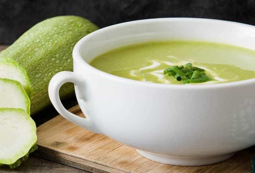 Суп-пюре из кабачков. Незаменимое блюдо для лета, когда наступает сезон овощей