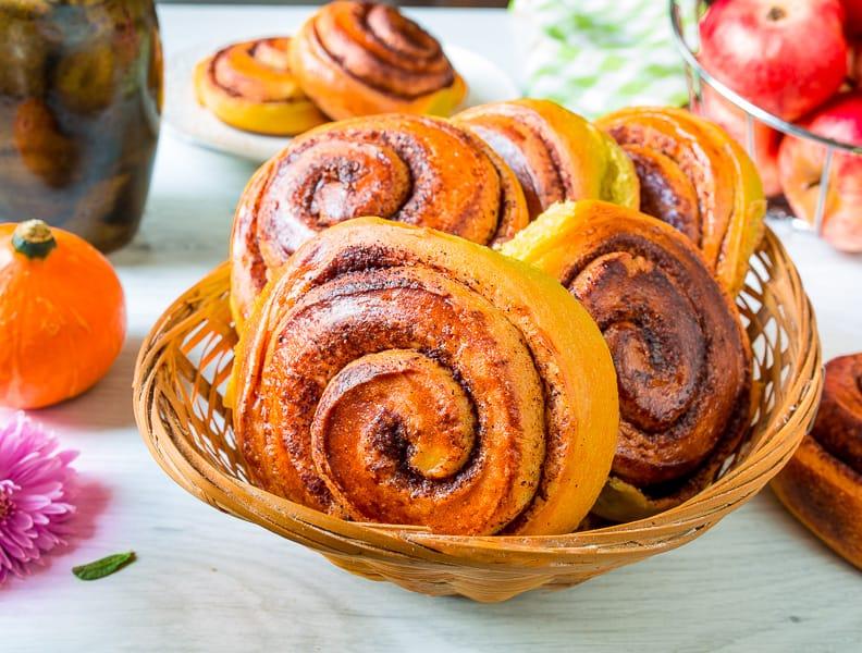 Тыквенные булочки с корицей. Мягкие и невероятно ароматные булочки