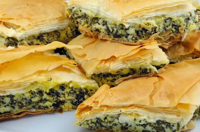 Греческий пирог со шпинатом