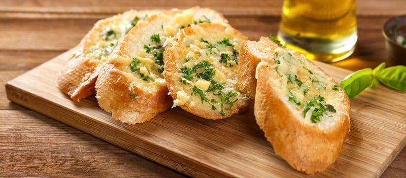 Чесночно-сырные гренки. Идеальное дополнение к первому блюду 6