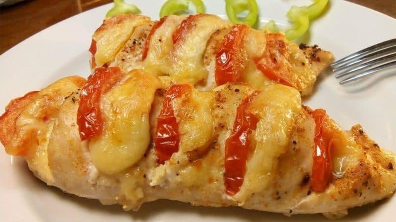 Куриное филе с сыром в духовке. Отличный вариант для обеда или ужина