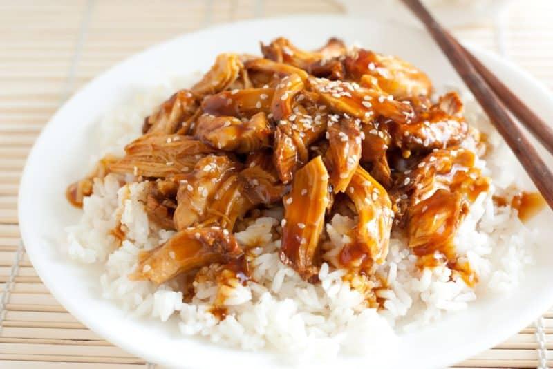 Курица с рисом под соусом терияки. Можно подавать на праздничный и повседневный ужин