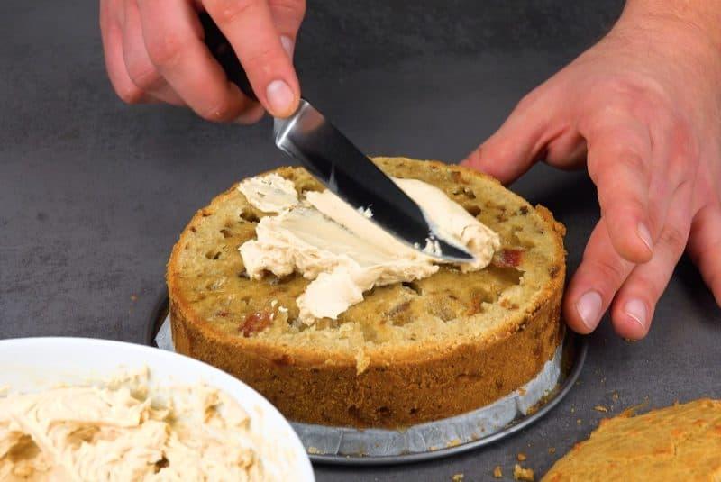 Несладкий торт с беконом. Превосходное угощение для гурманов