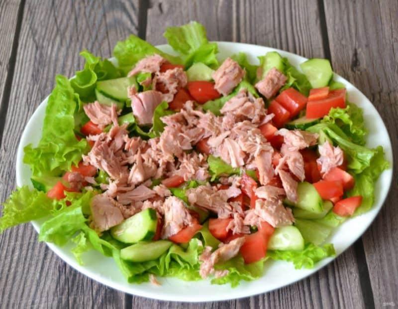 Салат с тунцом и овощами. Вкусное и сытное блюдо