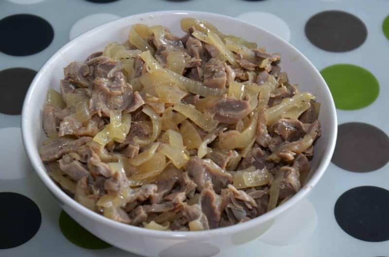 Маринованные куриные желудки. Вкусная и быстрая закуска