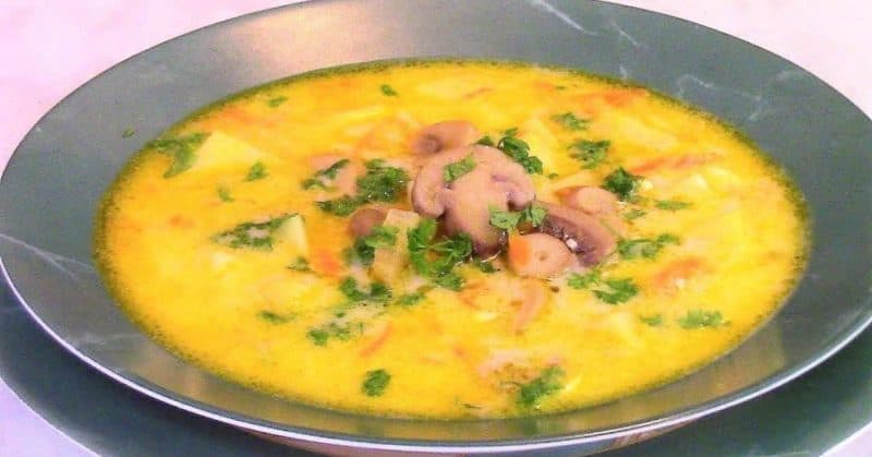 Наваристый сырный суп с грибами. Отличный обед для приверженцев здорового питания 1