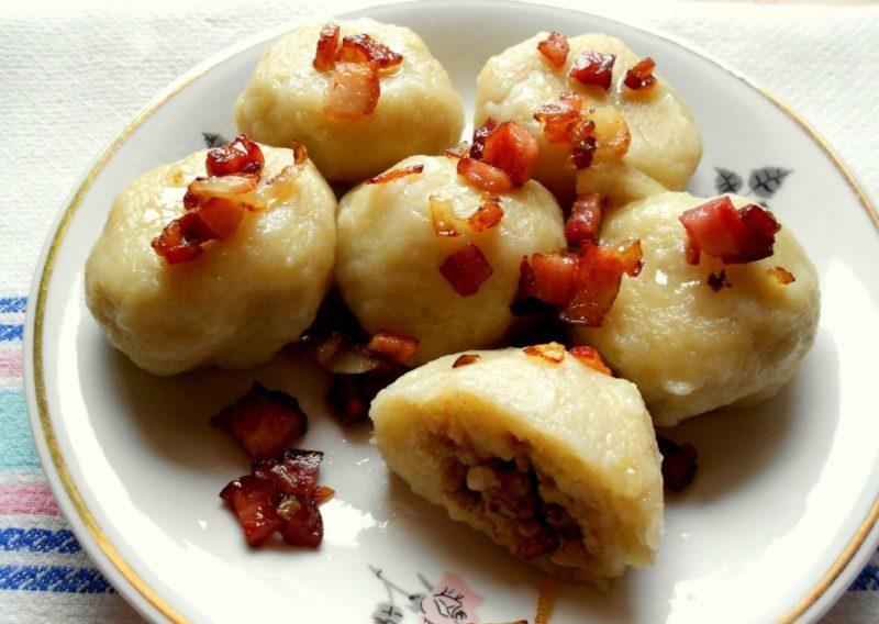 Белорусские пызы. Вкусные картофельные клецки с фаршем