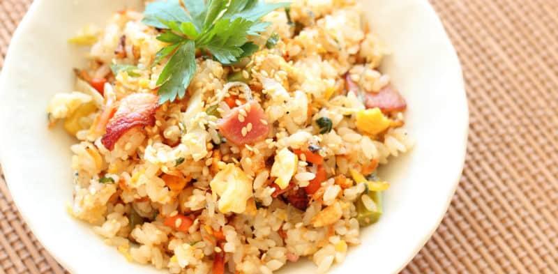 Азиатский жареный рис с беконом