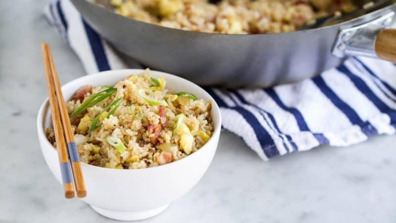 Азиатский жареный рис с беконом. Оригинальное и быстрое блюдо 1