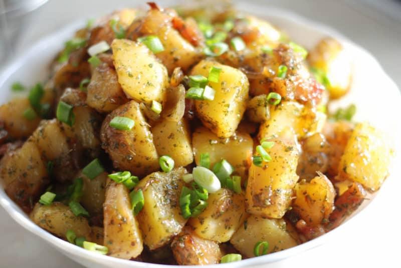 Картофельный салат. Вкусное блюдо из доступных продуктов