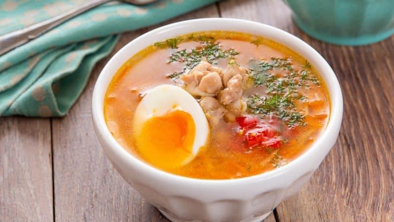 Куриный суп с яйцами и помидорами. Первое блюдо, которое подходит к диетической кухне 1