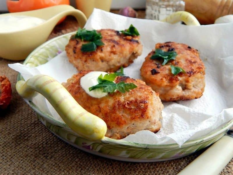 Рыбные котлеты с творожным сыром. Необычное сочетание ингредиентов подарит неповторимый вкус 6