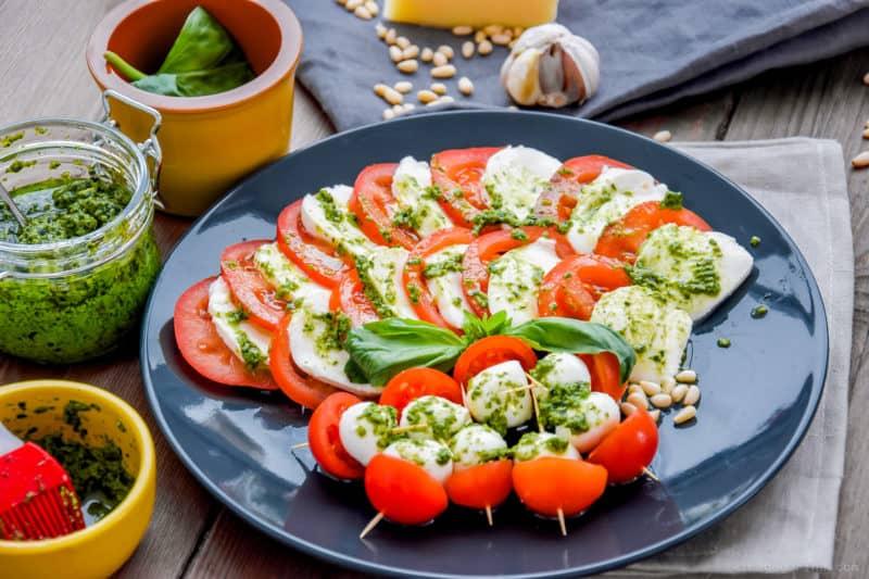 Салат Капрезе. Любимая итальянская закуска на вашем столе 5