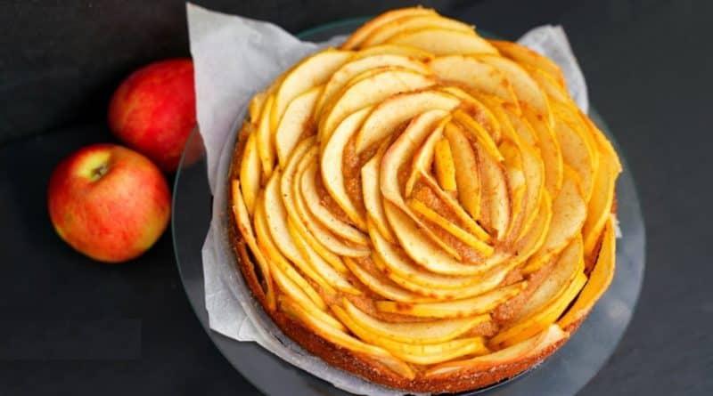 Яблочный пирог без сахара муки и масла. Можно кушать на ночь, не поправитесь 1