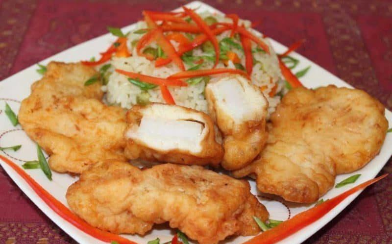 Жареная рыба в луковом кляре. Сочно, ароматно и вкусно 1