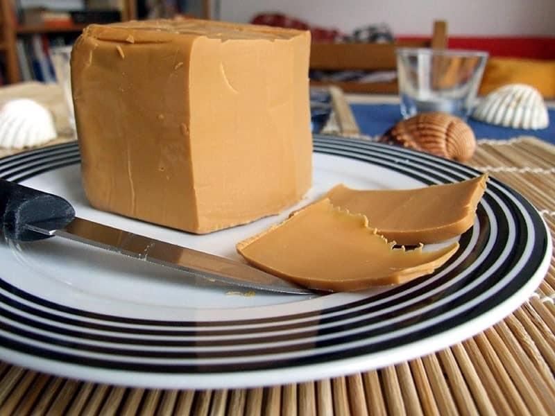 Норвежский коричневый сыр. Рецепт домашнего приготовления на радость гурманам