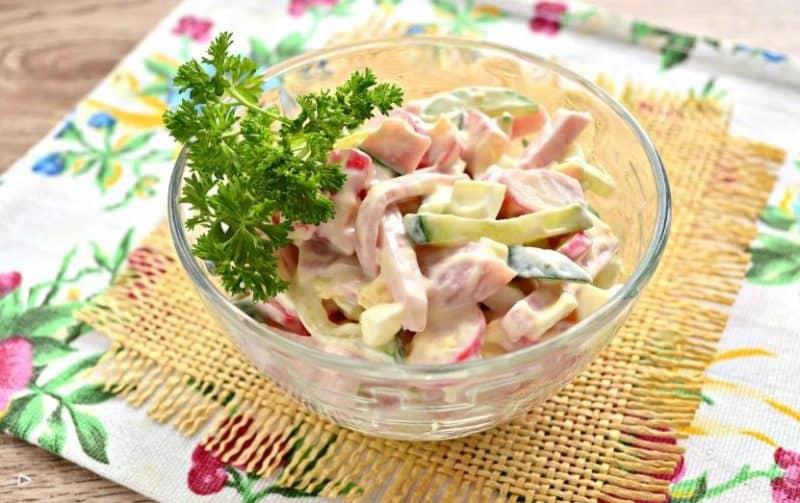 Лёгкий салат из крабовых палочек. Без кукурузы и риса 1